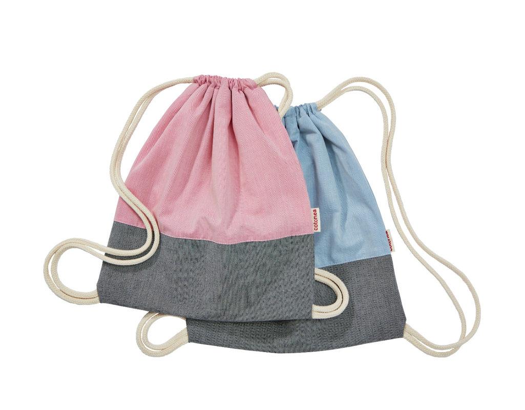 2f1872bbf39b5 Stoffturnbeutel aus Bio-Baumwolle für Kinder Kollektion in Rosa und  Hellblau übereinander gelegt